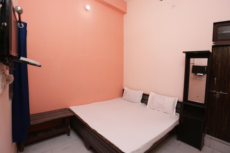 SPOT ON 41214 Om Shiv Palace -1