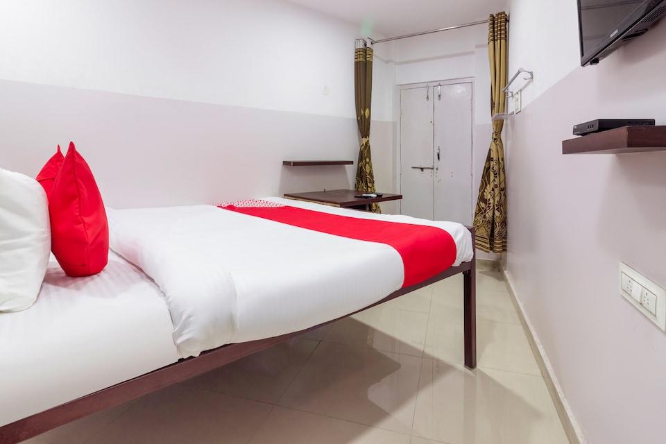 OYO 41321 Sai Dwaraka Lodge