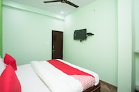 OYO 41351 Hotel Srv
