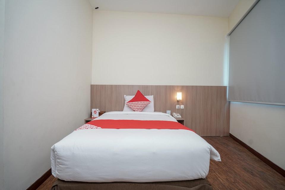 OYO 987 Hotel Bina Darma