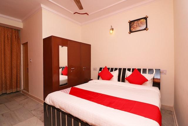 OYO 41425 Ratan Hira Resort