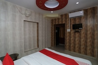 OYO 41435 Golden Residency