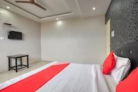 OYO 41444 Hotel Dcm Residency
