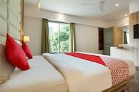 OYO 41571 Royal Oak Suite