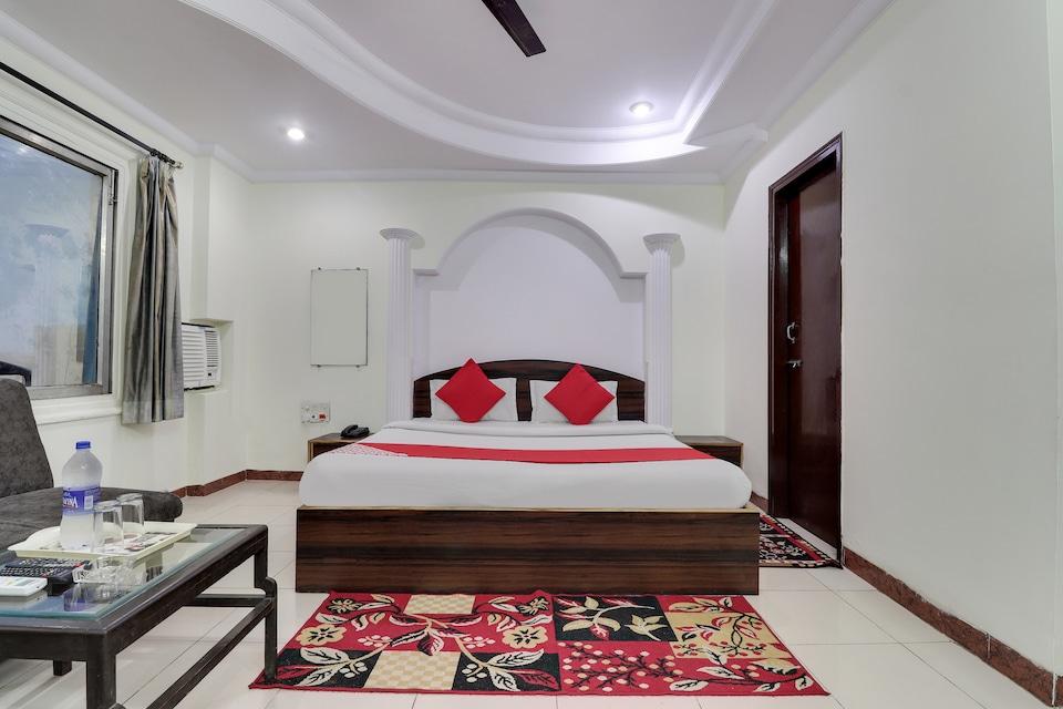 OYO 41572 Hotel Akash Deep