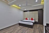 Capital O 41581 Hiriz Hotel