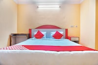 OYO 41584 Malabar Residency Saver