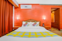 OYO Home 41596 Elegant Stay Near Star Biryani