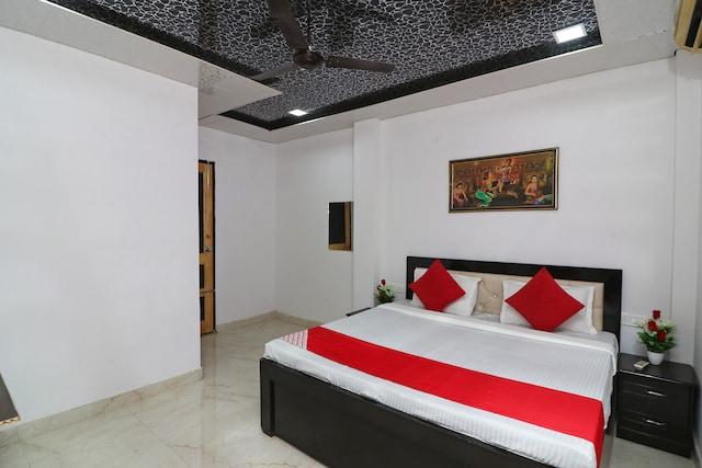 OYO 41612 Hotel Debansi Palace