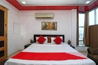 OYO 41612 Hotel Debansi Palace Saver