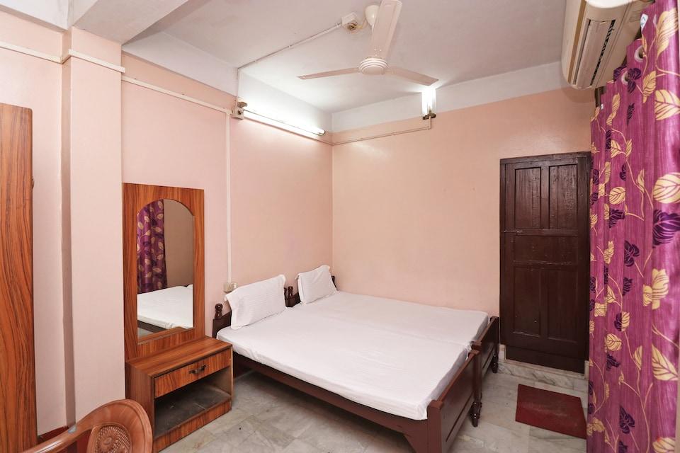 SPOT ON 41656 Hotel Maruti