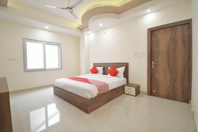 OYO 41677 Hotel Pratap Palace