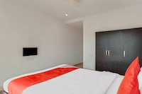 OYO 41688 Hotel Kiran Gardens