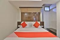 OYO 41703 Hotel Mukund