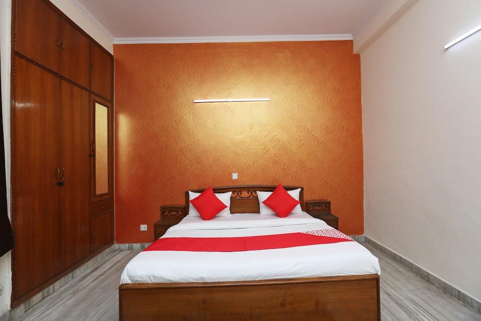 OYO 41707 Vinayak Residency, Noida City, Noida