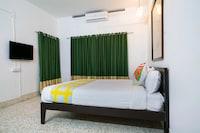 OYO Home 41710 Casilda Design