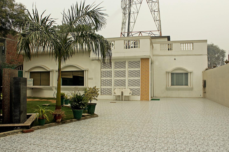 OYO 3870 Hotel Dolphin Homestay -1