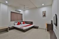 OYO 41737 Hotel Atithi