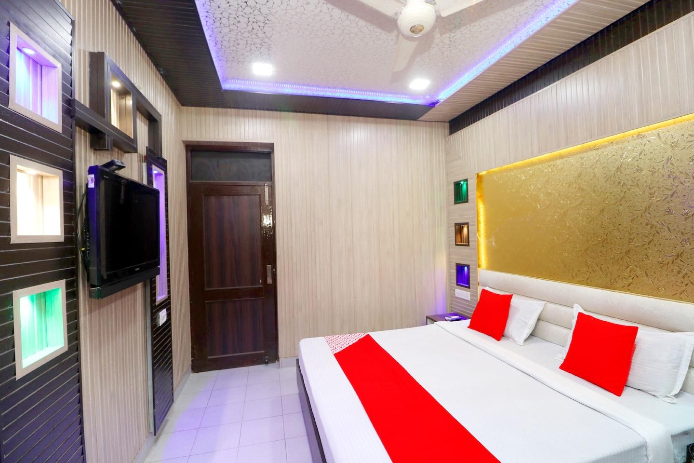 OYO 41743 Hotel Silver -1