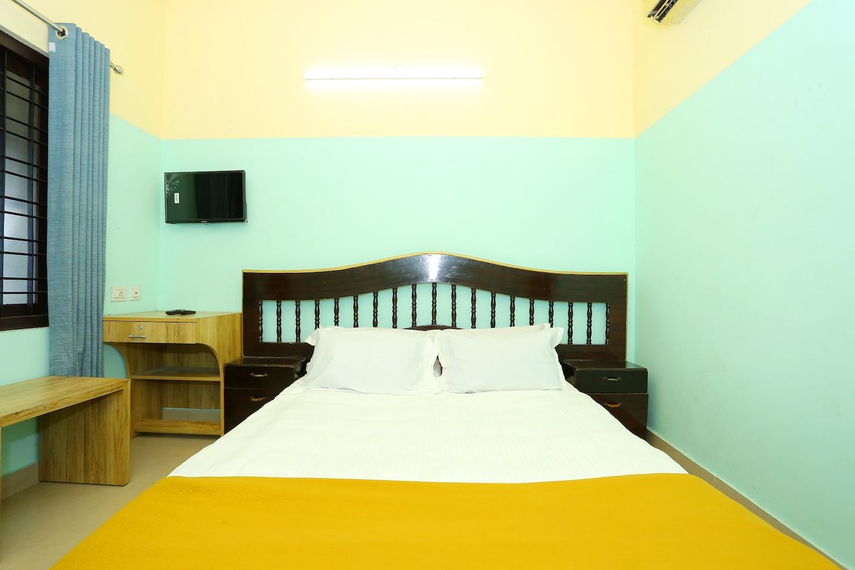 SPOT ON 41745 Pathiparamban Tourist Home -1