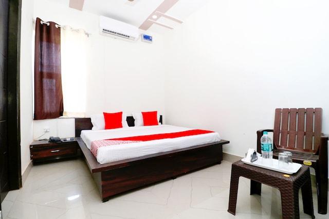 OYO 41865 Hotel Chanderlok