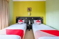 Capital O 1010 Isola Resort