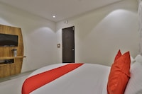 OYO 41875 Hotel Hill City Deluxe
