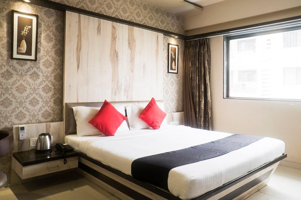 Capital O 661 Hotel Regal Inn