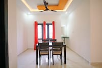 OYO 41881 Colorful Azad Apartments 2bk