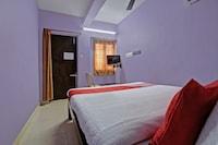 OYO 41895 Aravind Auro Guest House