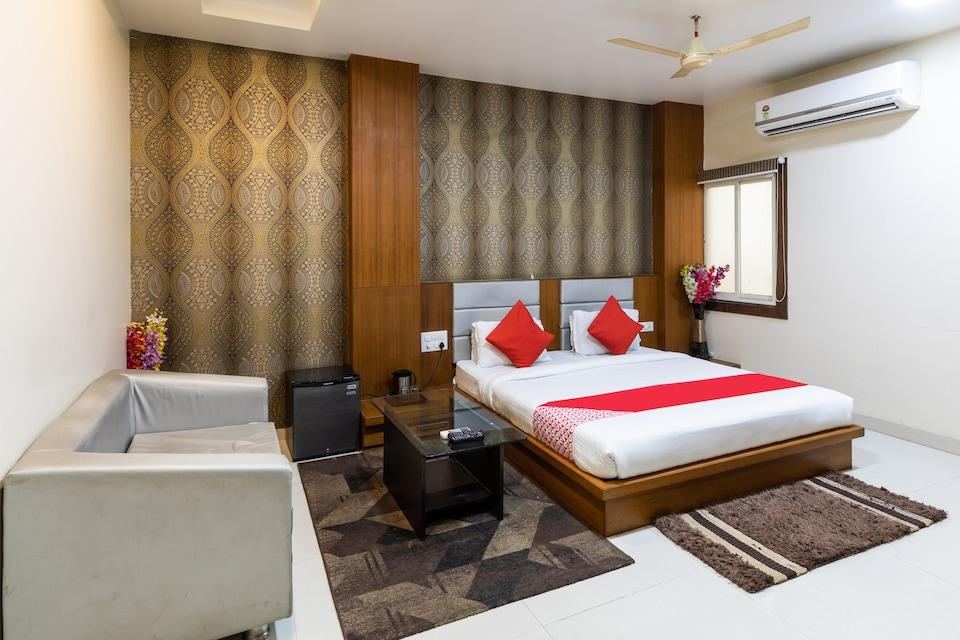 OYO 41898 Balaji Palace