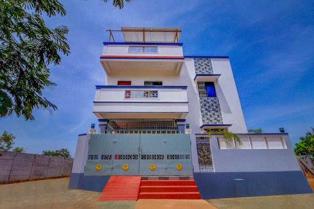 OYO Home 41906 Spacious Studio Near Auroville