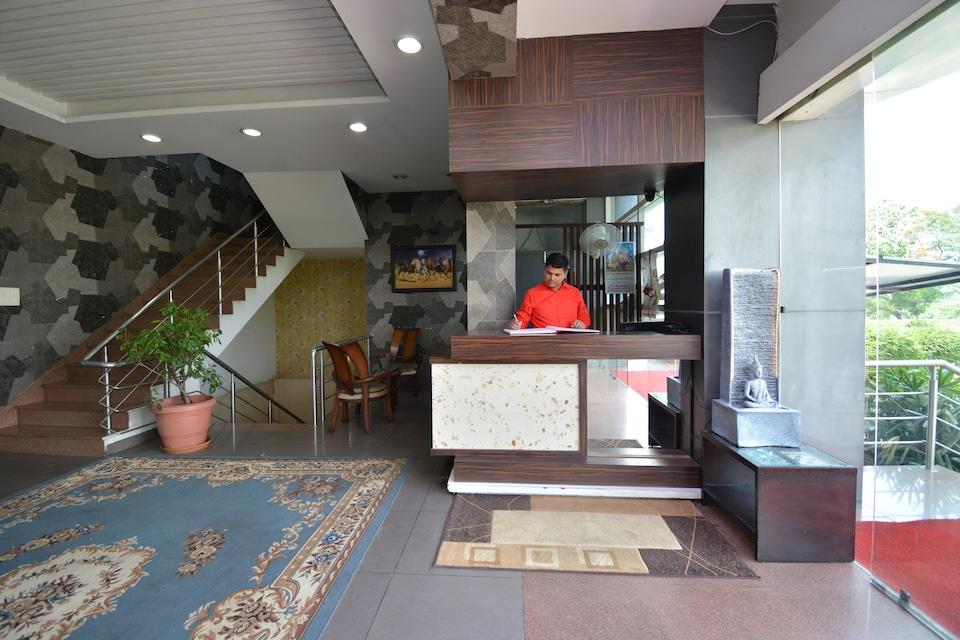 OYO 41932 Hotel Gill Regency