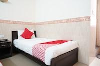 OYO 41938 Hotel Tibet Saver