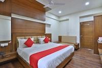 OYO 41960 Hotel Navjivan Deluxe