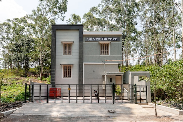 OYO 41979 Residenza Silver Breeze Saver