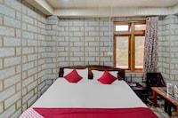OYO 41983 Hotel Solitaire