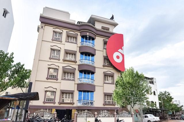OYO Flagship 41985 Jayalakshmi Residency