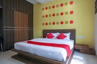 OYO 42045 Nakshatra Enclave Deluxe