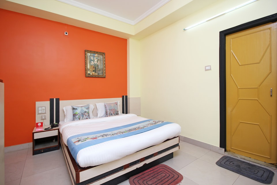 OYO 3886 Hotel Trimurti Heights