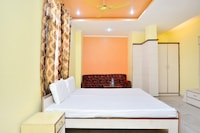 SPOT ON 42080 Hotel Shiv Palace SPOT