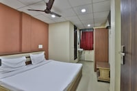 SPOT ON 42091 Hotel Sankat Mochan SPOT