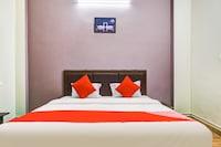 OYO 42100 Shivanjali Palace