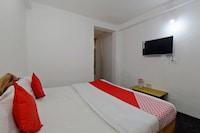 OYO 42119 Hotel Kunal