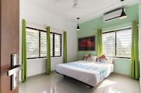 OYO Home 42121 Royal Stay Near Sarovaram Bio Park