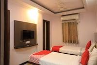 OYO Flagship 42122 Hotel Rahul