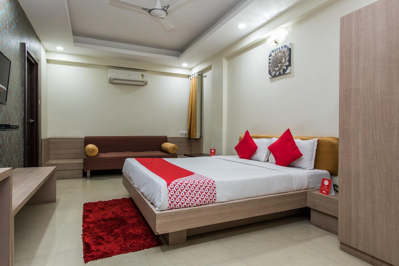 OYO 3892 Hotel Divya Palace -1