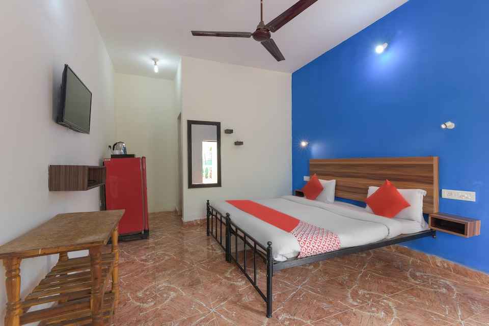 OYO 42242 Domingos Guest House
