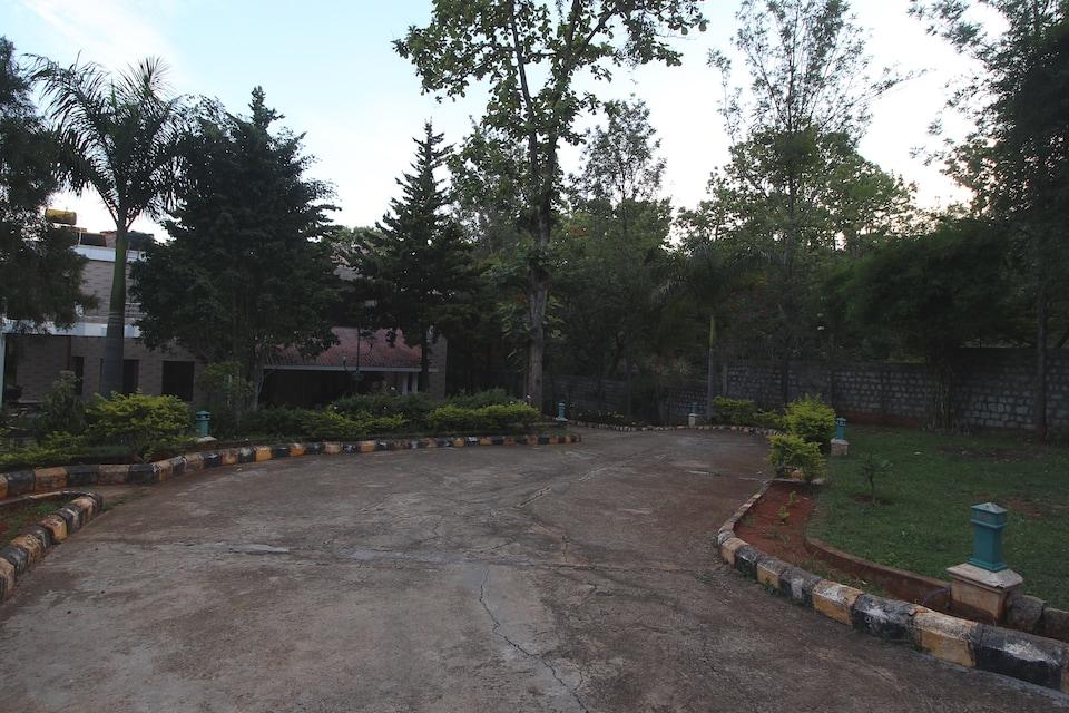 OYO 42246 Temple Tree Residence