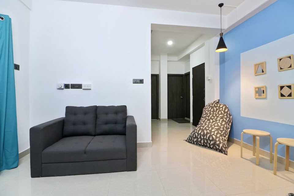 OYO Home 42258 Designer Stay Em Bypass